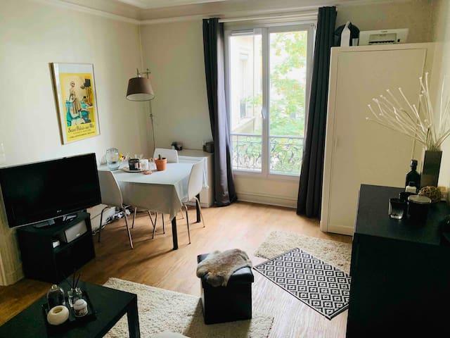 Charmant studio de 25m2, en plein coeur de Paris