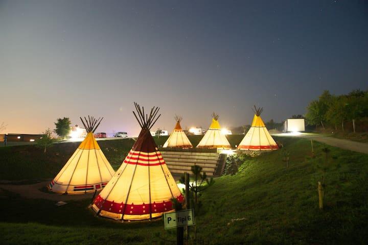Tipi Tent - Grabovac - 圓錐形帳篷