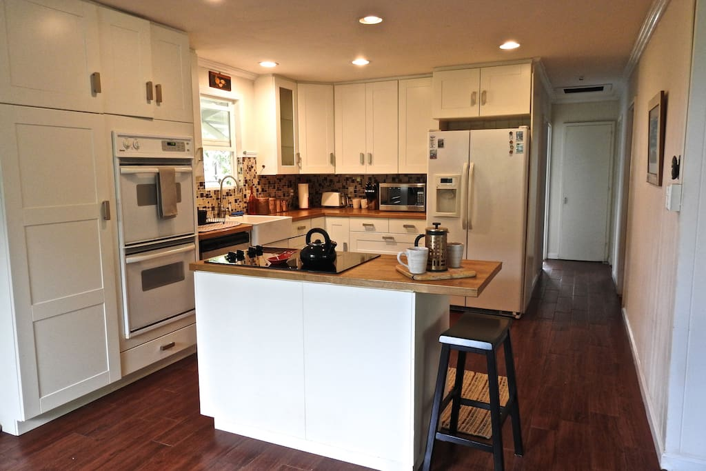 Full kitchen. Spacious area to for cooking and entertaining.