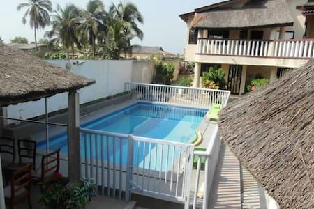 Monolocale con accesso piscina