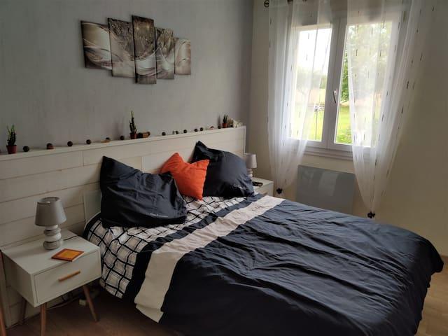 Chambre dans Maison au calme, avec extérieur