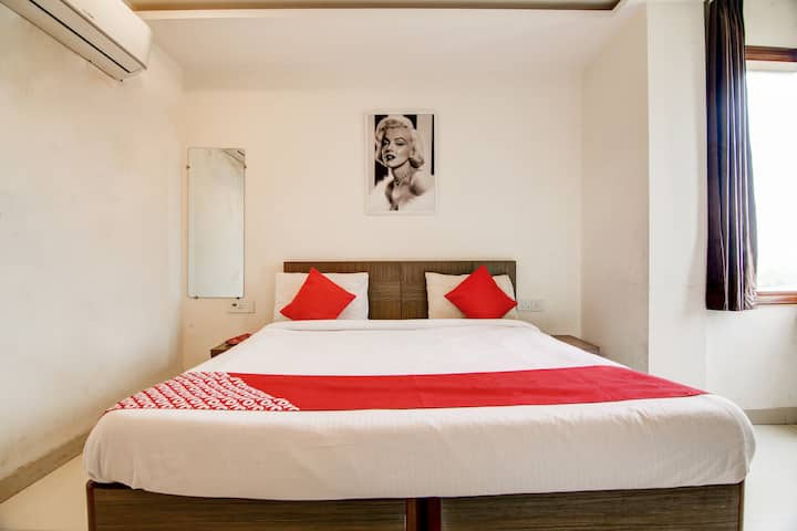 OYO 1 BR Heritage Stay In Old Gurgaon