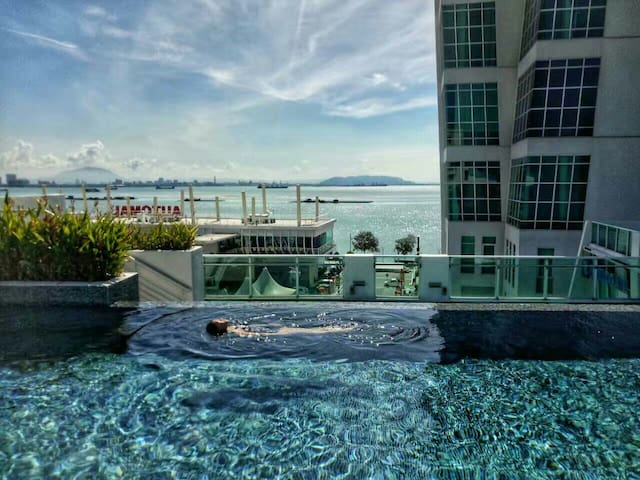 Georgetown Seaview Seafront Luxury Duplex Suite - George Town - Wohnung