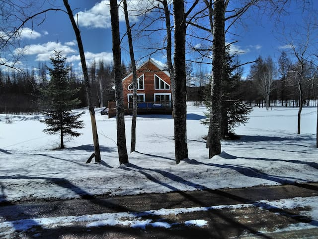 Chalet près du Lac Taureau - 4 saisons
