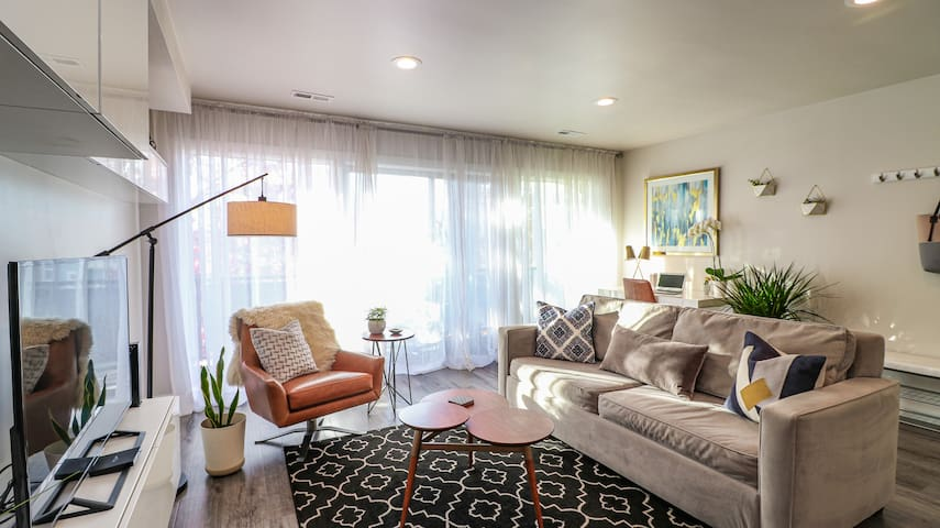 Stylish Modern Condo in Boise's N. End/Downtown