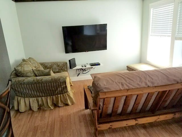 1st Class Rentals All New 2 Bedroom Apartment