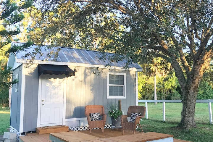 New TINY HOUSE on a FARM- Relax in the country