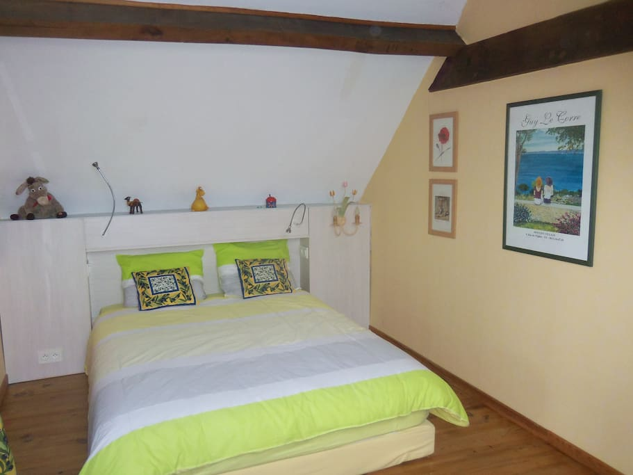 Nice room in stunning french house chambres d 39 h tes for Chambre in french