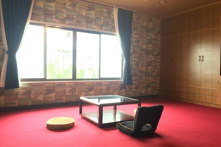 こんぴらハウス 洋室12畳(禁煙) Family room (No-smoking)