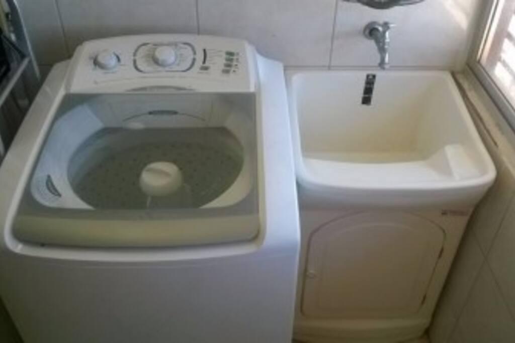 Lavanderia c/ Maquina de Lavar
