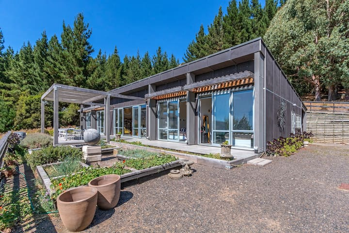 Pigeon Bay Paradise - Rural Seclusion