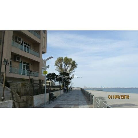 Apartment on The Black Sea beach 12 - Eforie Nord - Huoneisto