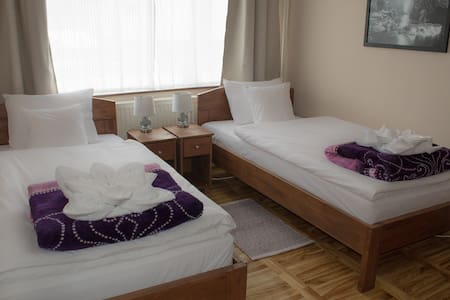 Comfortable 2-bed bedroom with private bathroom - Subotica