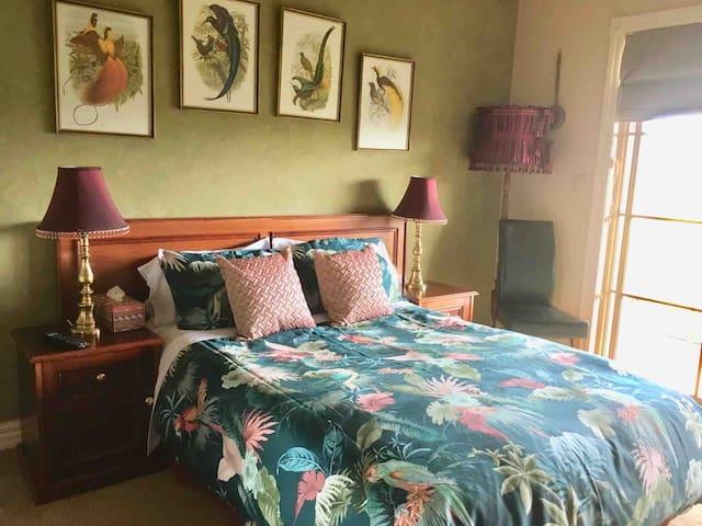 BNB - Luxury double room - on a Farm + free wifi
