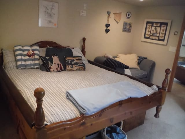 Walk-out Master Suite - Colorado Springs - House