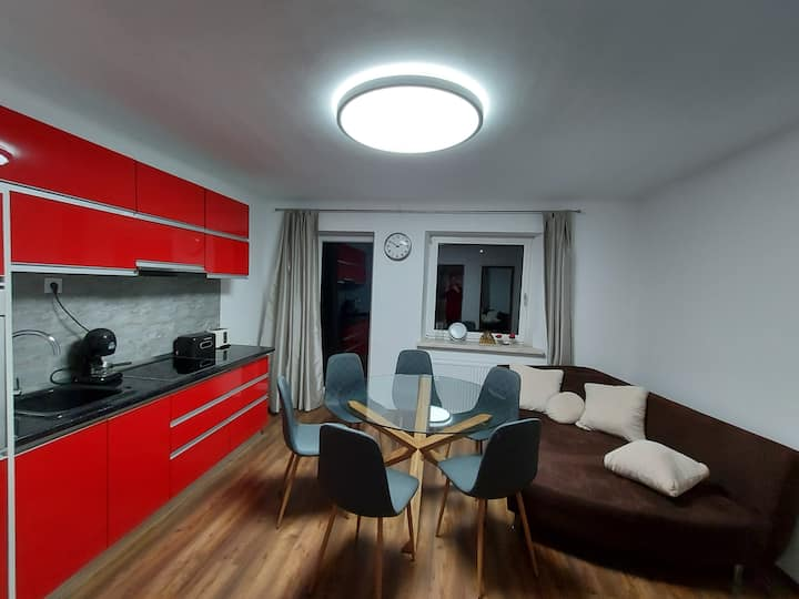 Erzhaus Apartments - Poppy