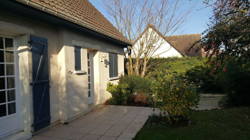 Cozy room close to Landing beaches - Hermanville-sur-Mer - Talo