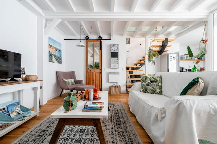 Modern Traditional Mix Townhouse at Faro Downtown