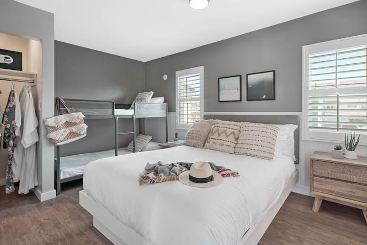 California Family Suite - Beachfront Luxury Escape
