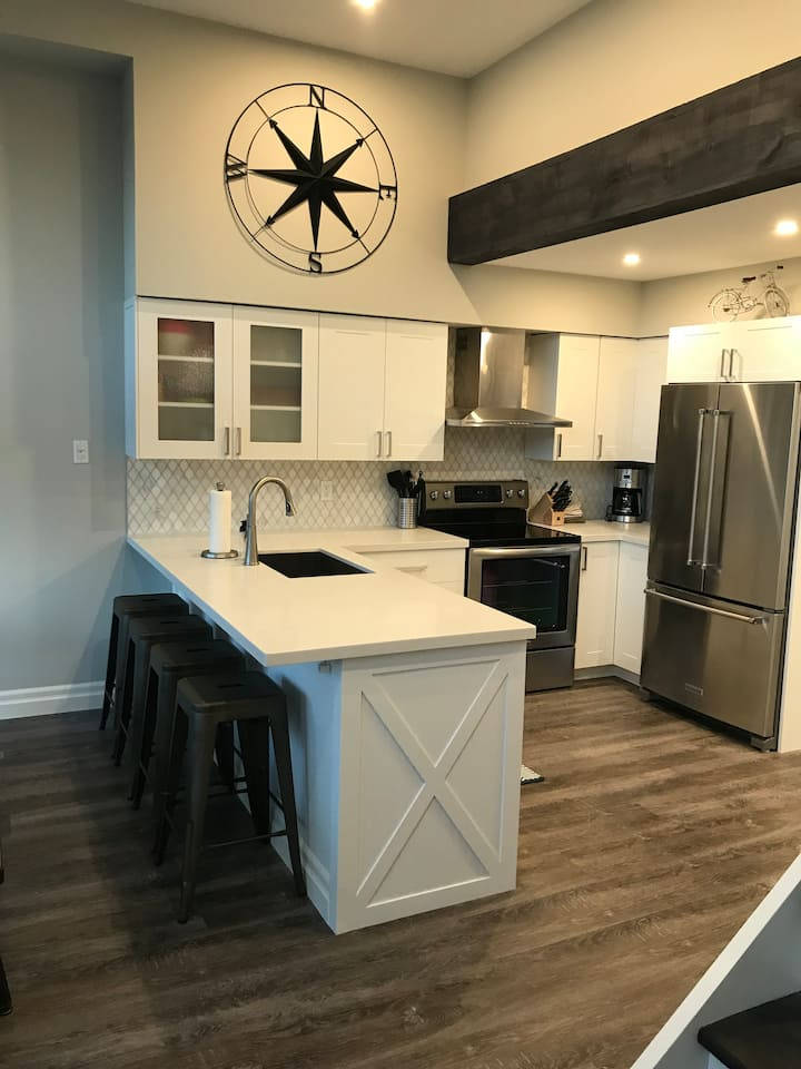 Fully Renovated Blue Mountain Chalet