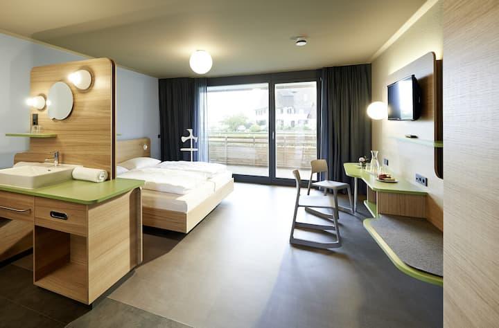 Hotel mein inselglück - Sylvia Deggelmann & Nadine Staiger GbR, (Reichenau), Inselzimmer Komfort, mit Dusche/WC und Balkon, 25 m²