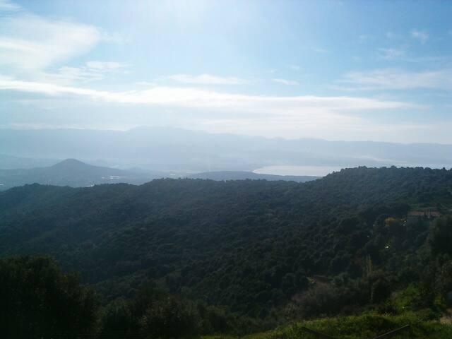 Location estivale F3 10 mn d'Ajaccio vue extra.