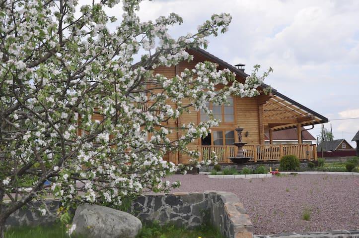 LUX отдых для семьи или дружной ком - Shuya - House