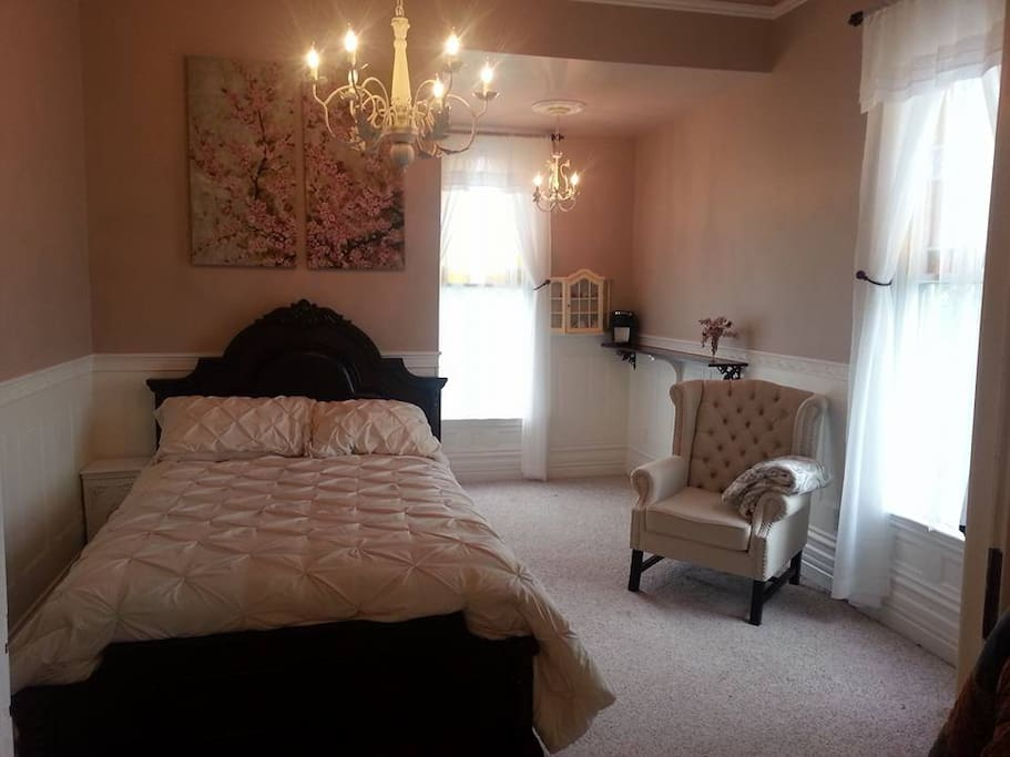 Newly Remodeled Double Bed room with adjoining bath room & bunk room