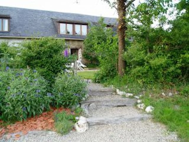 a haven of peace and tranquility, in national park - Mont-Saint-Jean - House