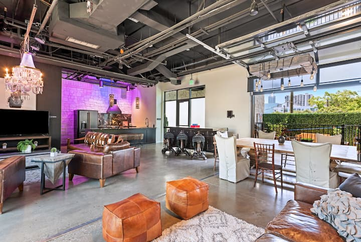 ☆Inn Cahoots on 6th: 5BR/10Beds,Pool,Roofdeck (U3)