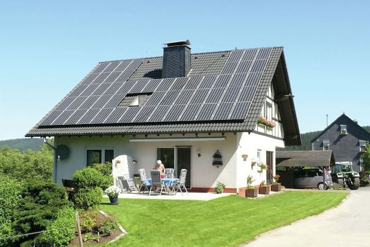 Arrive and feel at home - well-maintained holiday home in Südsauerland