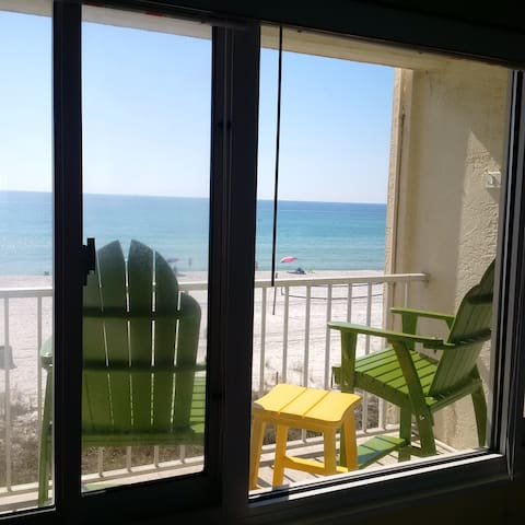 Oceanfront, Balcony, King #312-Free Beach Chairs