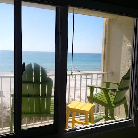 Oceanfront, Private Balcony, King #312- Great View