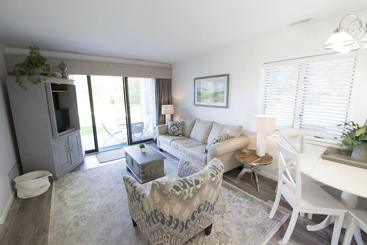 ♛ Gorgeous Brand New ♚ Chic Beach Front ☀ Condo