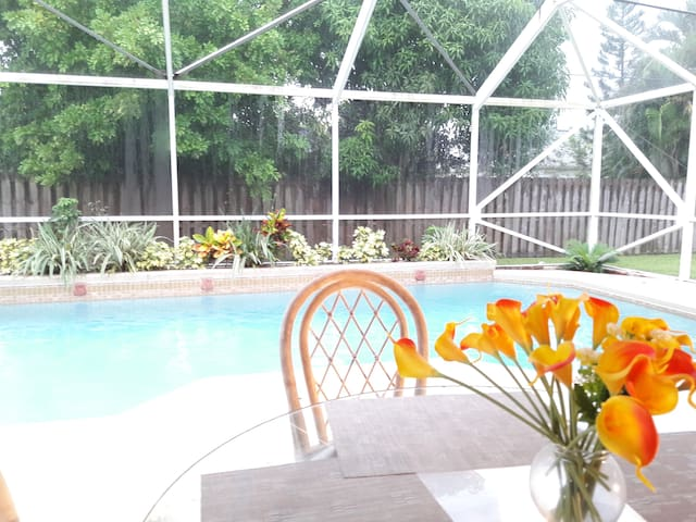 Beautiful Pool Home in Port St Lucie - Port St. Lucie - Casa