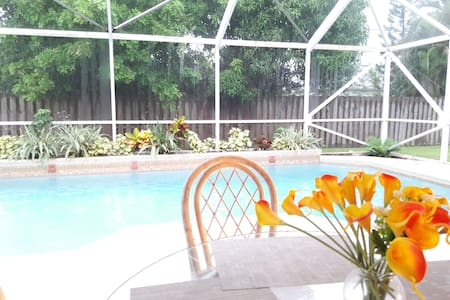 Beautiful Pool Home in Port St Lucie - Port St. Lucie