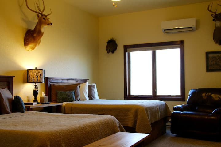 Lone Star Suite @ Two Hats Ranch