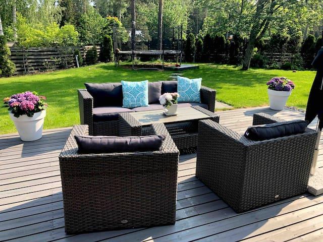 Spacious villa with garden 30 min from Helsinki