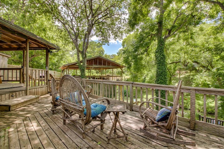 Creekside dog-friendly home w/large deck overlooking the creek, w/dock & more!