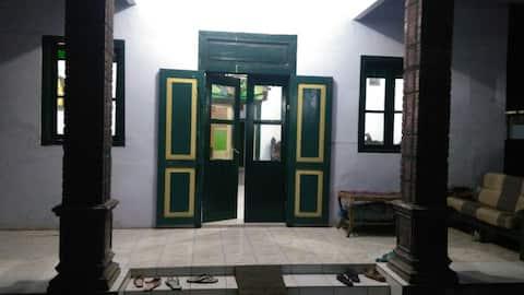 Risa's Family House