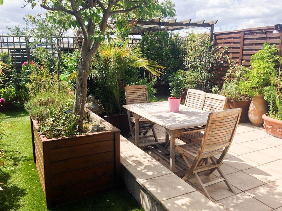 Superbe appt familial avec jardin rooftop vue 360 for Jardin potager a louer 78