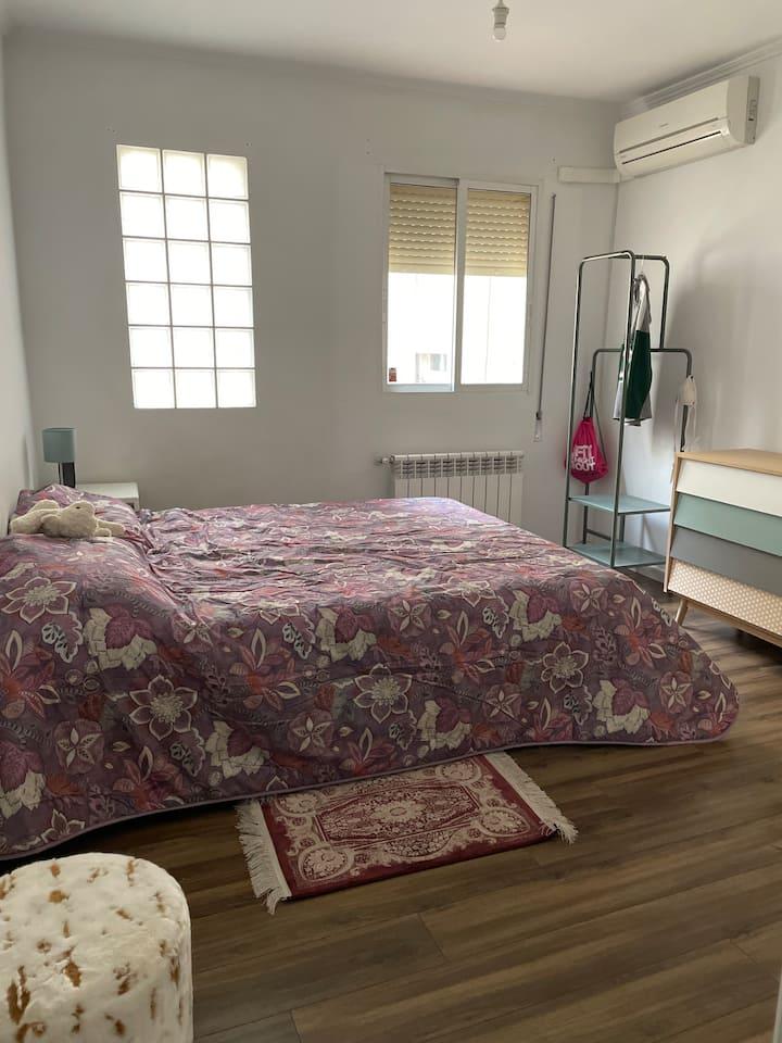 Preciosa Habitación en un piso bonito y acogedor