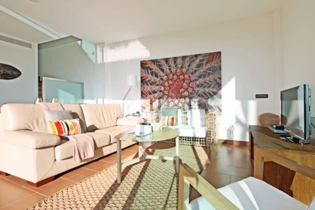 Villa deluxe con piscina privada salobre villas ii for Suite con piscina privada madrid