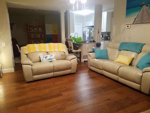 Cute condo conveniently located! - Fairfax - Apartamento
