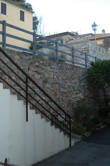 Scalinata di accesso