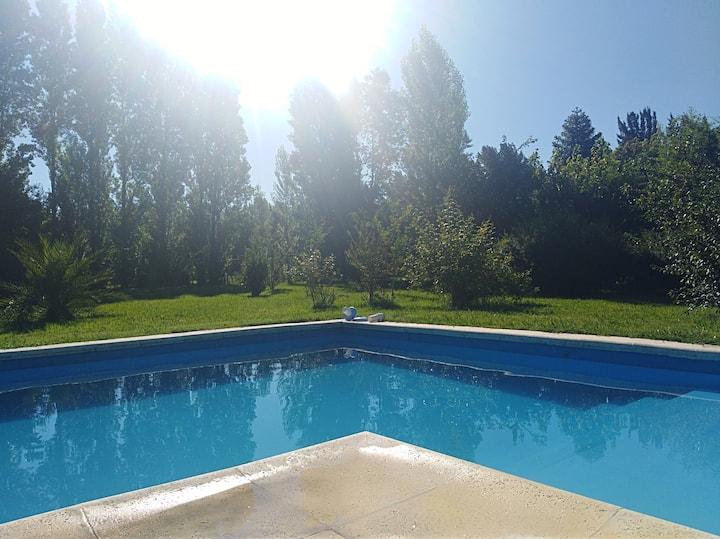 Habitacion Privada Casa Country Pilar con Piscina