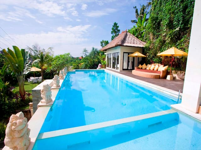 4bedroom villa ungasan with big swimming pool
