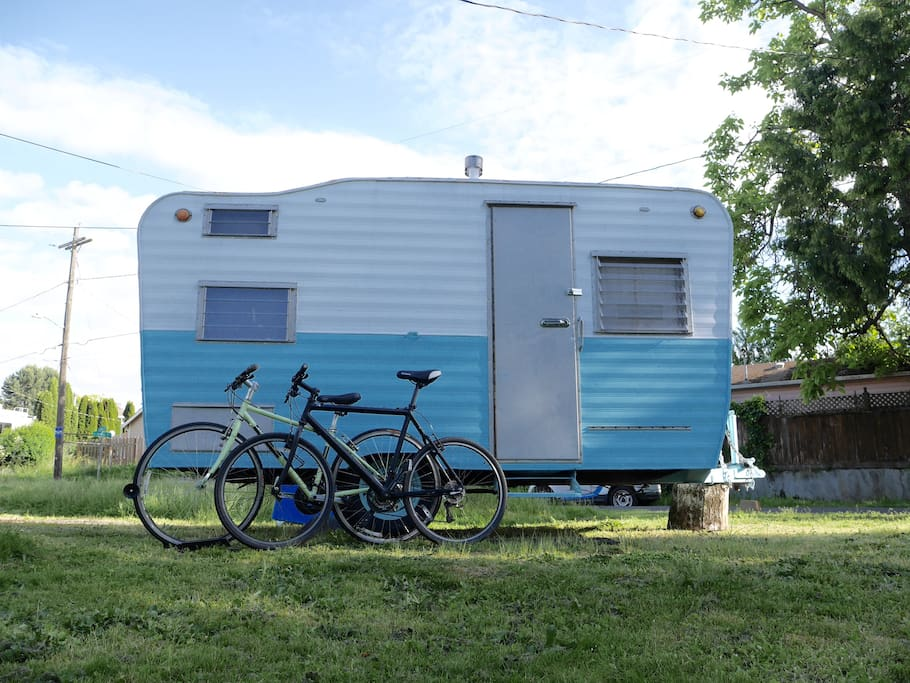 Check out the sites on 2 bikes (+ U-Locks) -- vintage trailer not included, sorry!