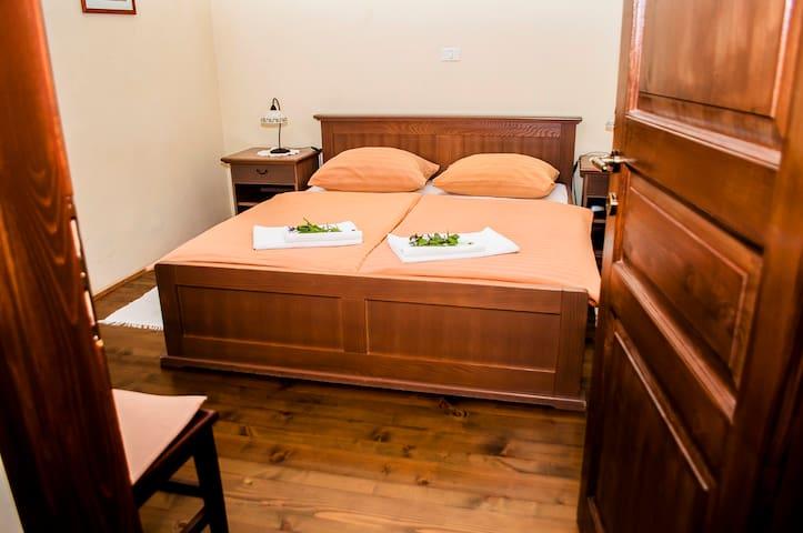 Domačija Pr' Vncki - Bed&Breakfast - Matavun - ที่พักพร้อมอาหารเช้า