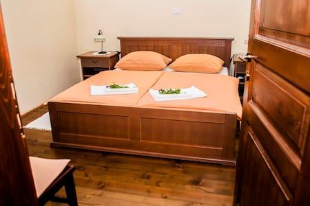 Domačija Pr' Vncki - Bed&Breakfast - Matavun - Bed & Breakfast